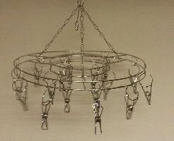 Kovový věšák kruh na šály