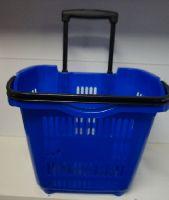 Plastový nákupní košík na kolečkách